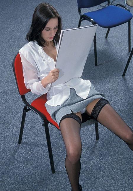 Nackt in sekretärin strümpfen geile Geile Sekretärin