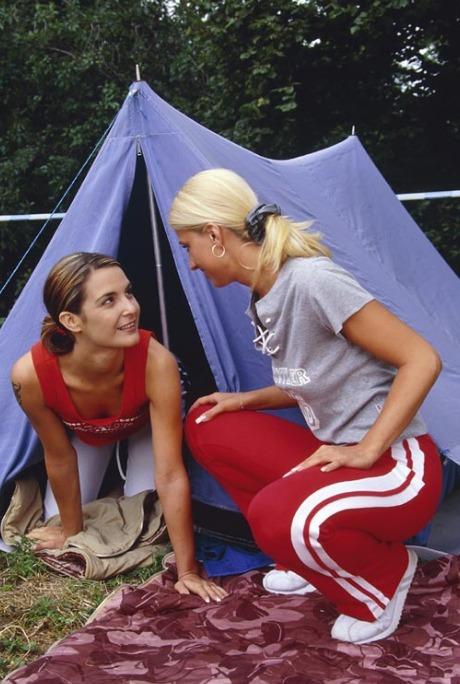 Lesben beim Camping