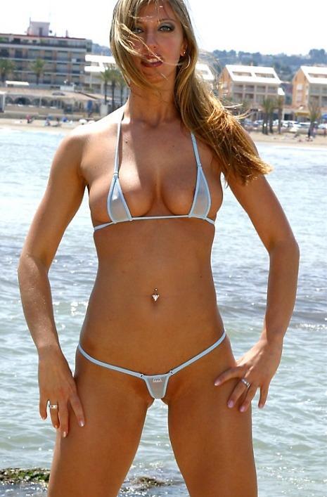 Bikini Girls im Micro Bikini
