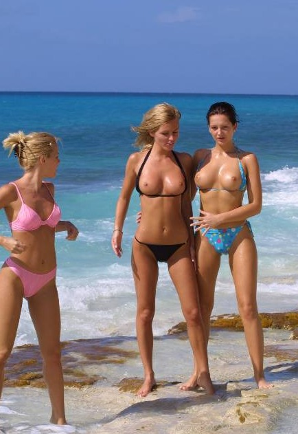 MäDchen Am Strand Nackt