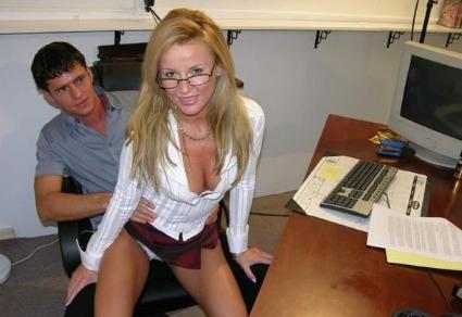 Geiler Fick auf dem Schreibtisch