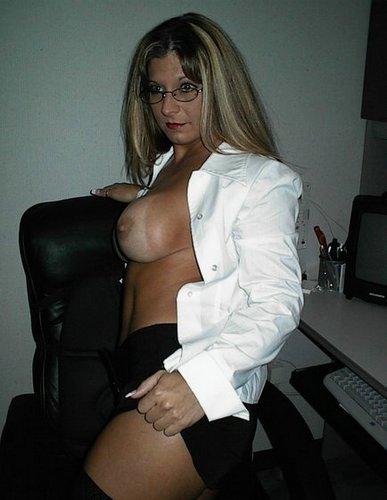 Dicke Titten SekretäRin