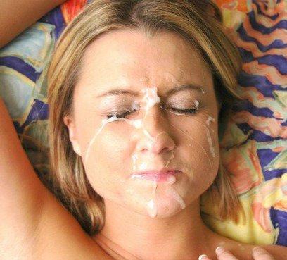 Sperma ins Gesicht spritzen