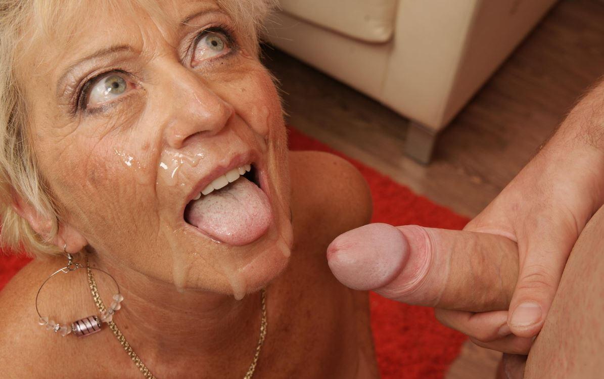 Viel Sperma Im Gesicht