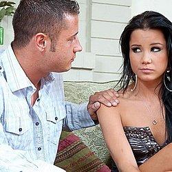 Ihren Onkel will dieses geile Mädchen verführen