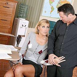 Blondes Luder zum Sex überredet
