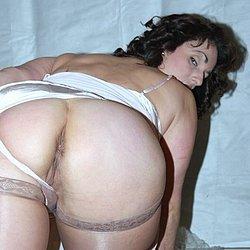 Mollige Frau mit dickem Arsch von Hinten
